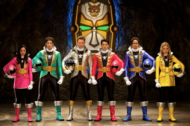 Power Rangers Super Megaforce Cast Shot